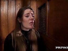 Саманта Бентли трахается в киску