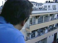 Азиатка показывает парню сиськи и делает ему глубокий отсос перед вебкой