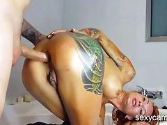 Рыжая подружка на веб камеру с парнем снимают анальный секс ...