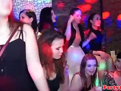 Во время вечеринки развратники в клубе устроили реальную гру...