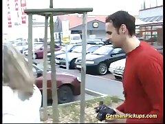 Немецкий девушке и ее лучшая подруга решила заснять видео чтобы заработать немного денег